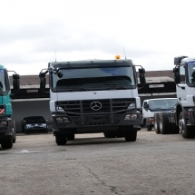 12 Camions-min